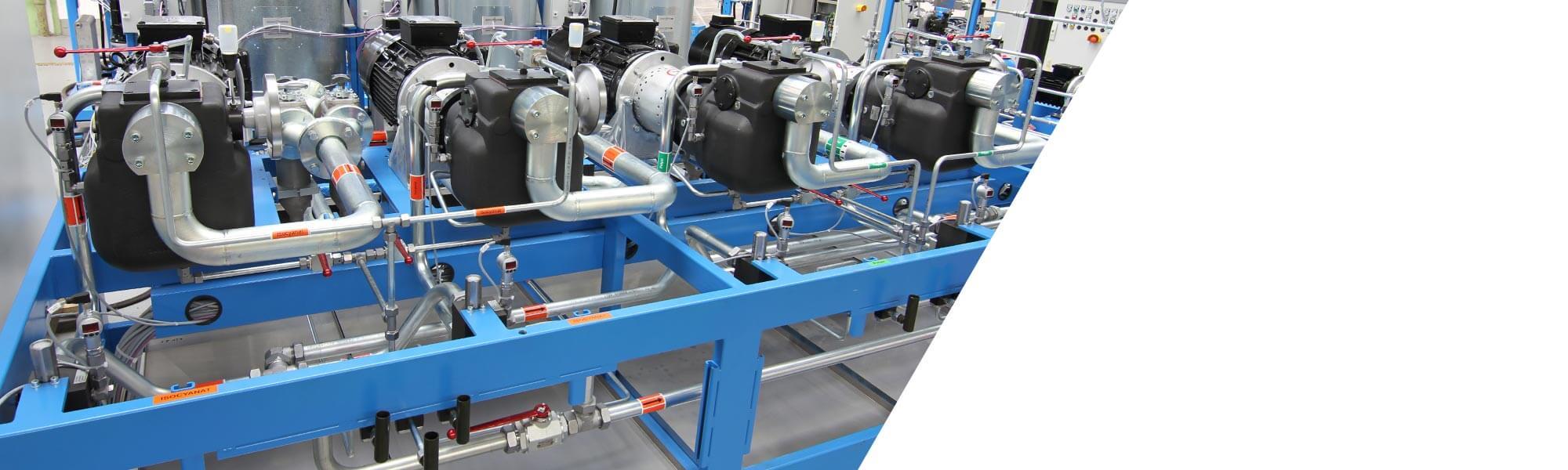 우수한 품질의 슬랩스탁 폼을 생산하기 위한 높은 토출량의 저압 메터링 머신