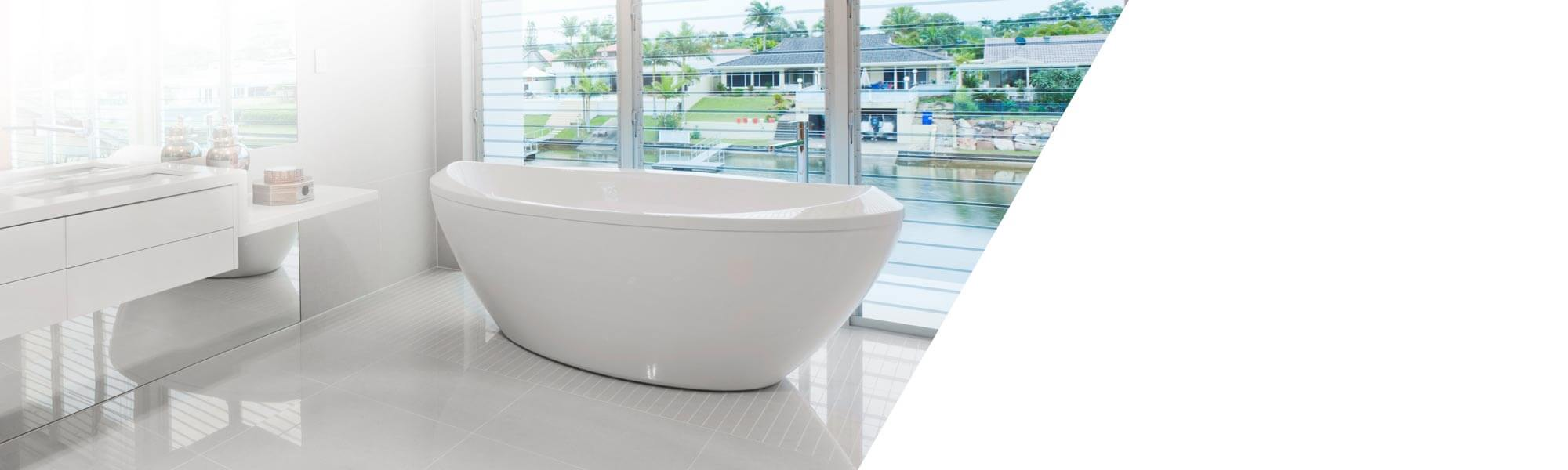 Reinforcement of bathtubs and shower trays