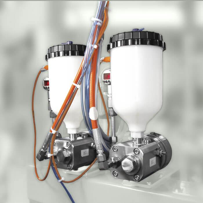 액체와 고체의 메터링되는 추가물